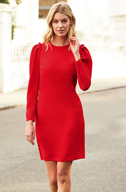 WHY YOU NEED A RED DRESS RIGHT NOW